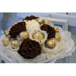 Букети от бонбони 15 бонбона ferrero rocher