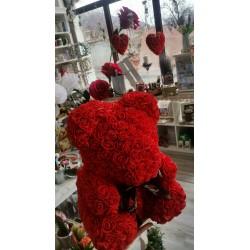 Мече от рози в луксозна кутия