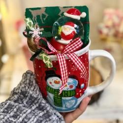 Подаръци в коледна чаша